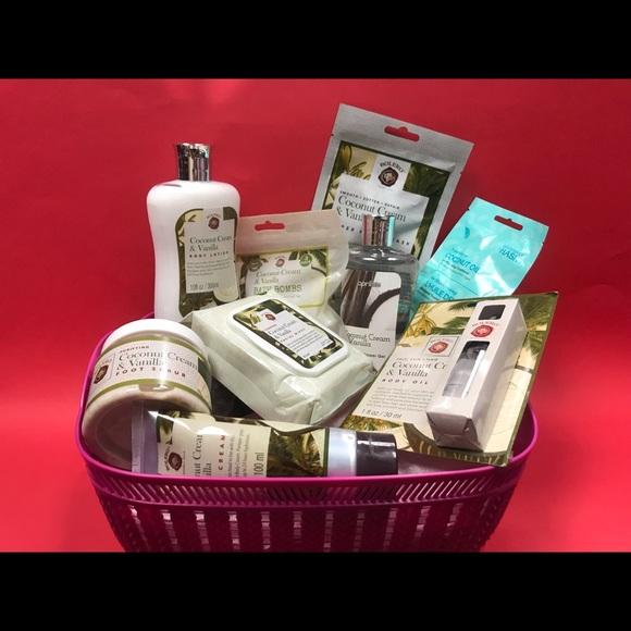 Coconut Cream & Vanilla Spa Baskets